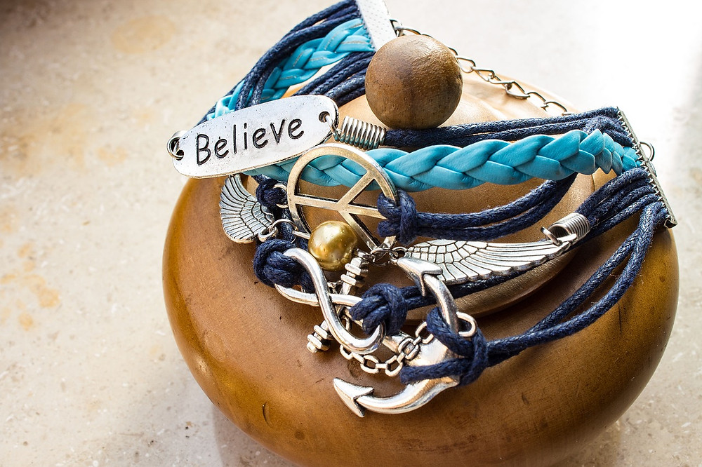 Examples of Boho Bracelets in Leather and Wood