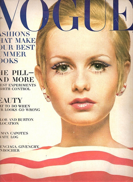 Twiggy on the cover of Vogue Magazin