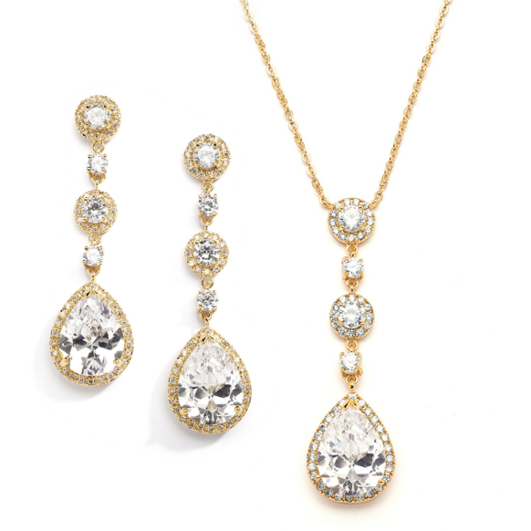 Gold pendant necklace and earrings set