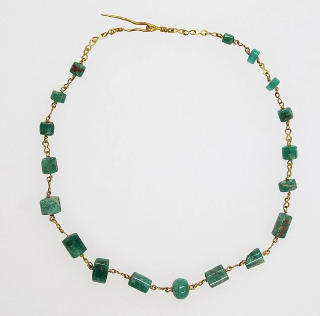 Roman Emerald Necklace Dating, approx. 2000 years old