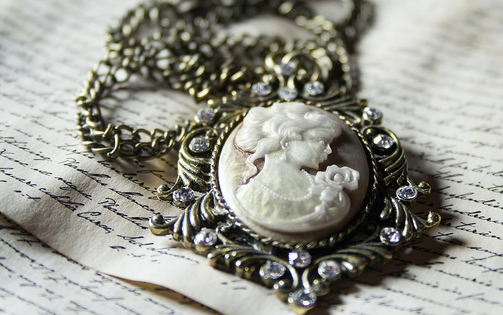 Vintage Pendant Necklace Featuring Quality Carved Cameo Portrait