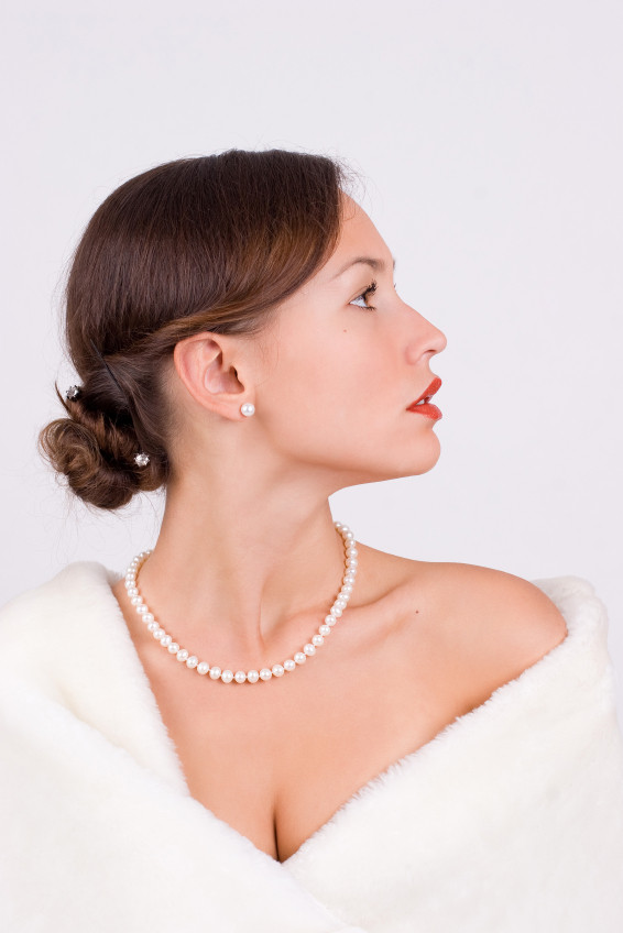 Model In Princess Length Pearl Necklace