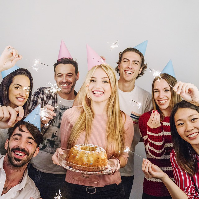 FREE GIFT Promotional Image