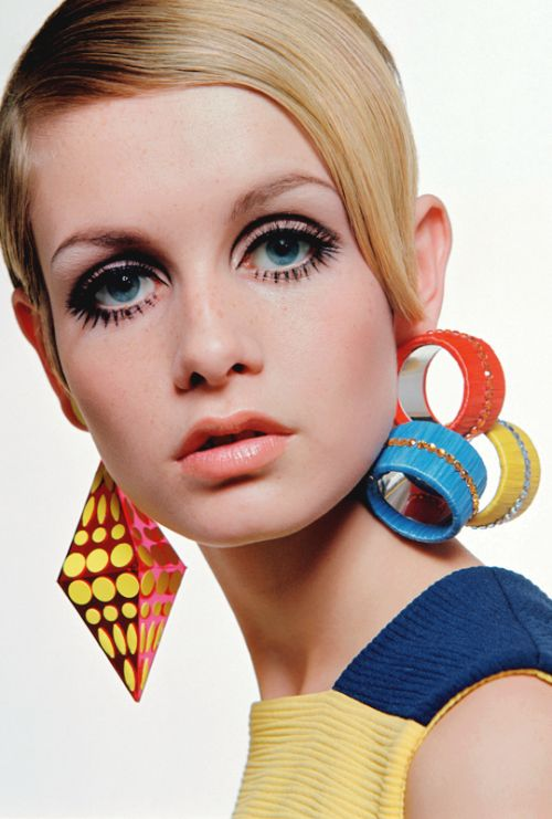 Twiggy in Bold Mis-Matched Earrings