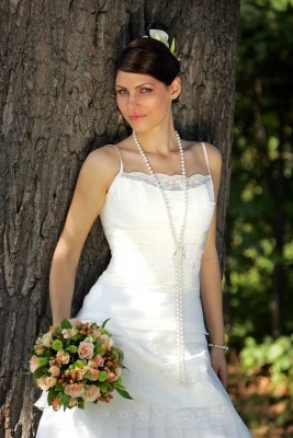 Bride in Knotted Pearl Rope Necklace