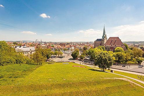 Blick in die Altstadt vom Petersberg ©BU