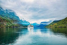 Cruise_Liners_On_Hardanger_fjorden_10885