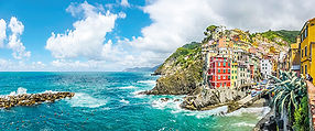 Panoramic_view_of_Riomaggiore,_one_of_th