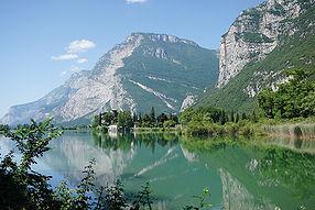 Lago_di_Toblino_with_castle_1126562138_┬