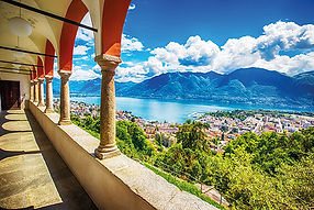 Beautiful_view_to_Locarno_city,_lake_Mag