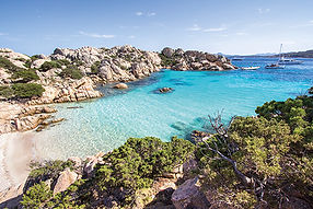 SARDINIEN_Beach_of_Cala_Coticcio,_Sardin