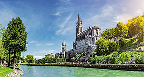 Panoramic_View_of_Basilica_Notre_Dame_in