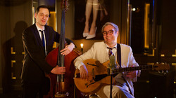 """""""One Note Jazz"""" duo  avec Sean Gourley ( chant/guitare)"""