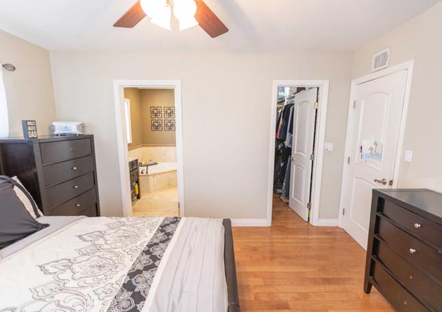 Bedroom 1 Med.jpg