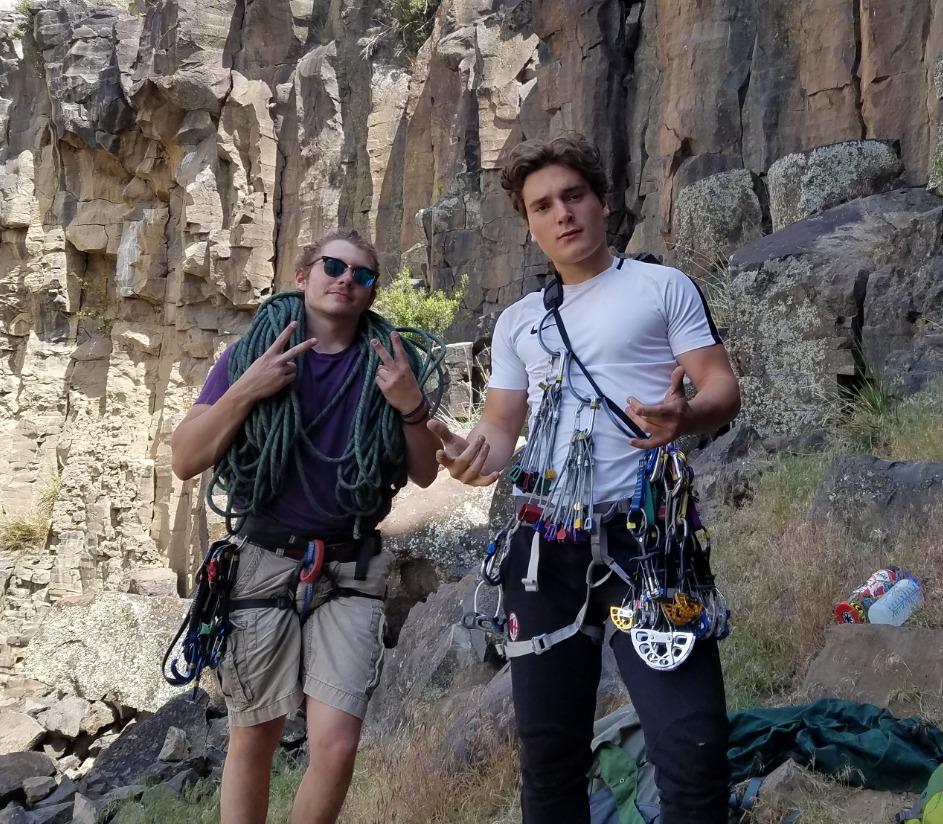 Grimpi Boys ready for the climb