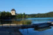 Chateau_près_de_l'eau.png