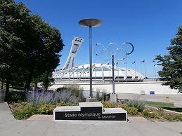 Montréal_-_Stade_Olympique.jpg