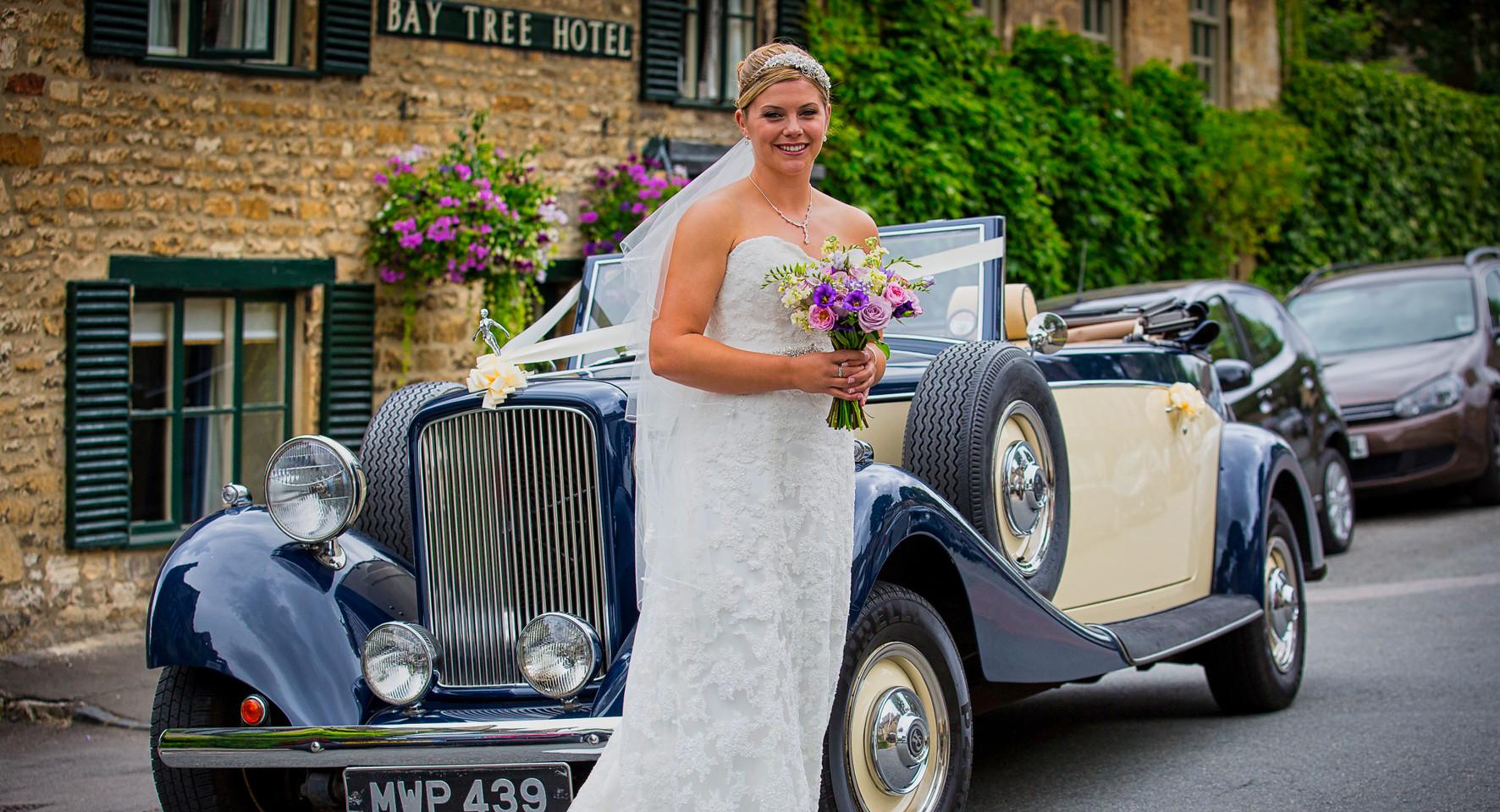 bride pose car