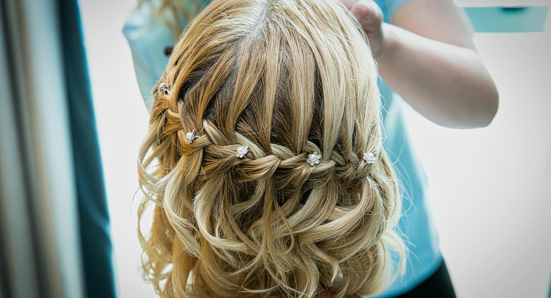 beride hair back