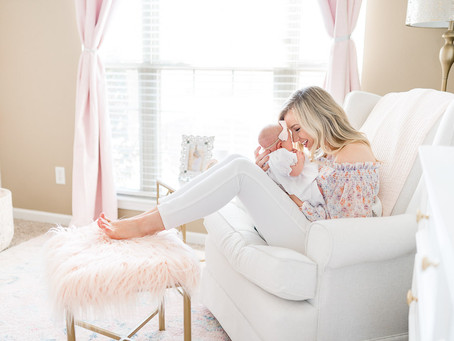 Little Rock Newborn Photographer | Anna Leigh's Lifestyle Newborn Session
