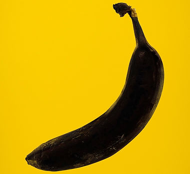 rotten-banana-on-yellow-background-3600078.jpg