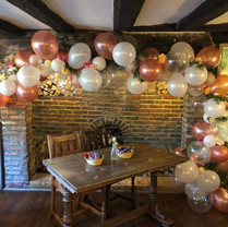 Balloon arch with roses