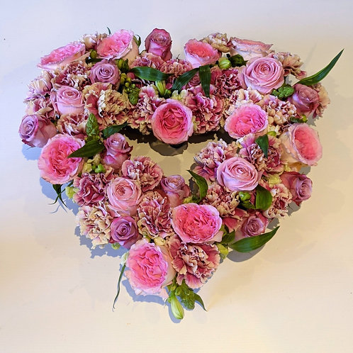 Heart flowers pink roses carnations alstromeria decor gift