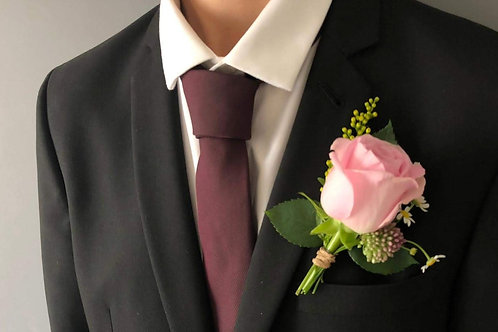 wedding flowers buttonhole boutonierre groom buy flowers allium rose