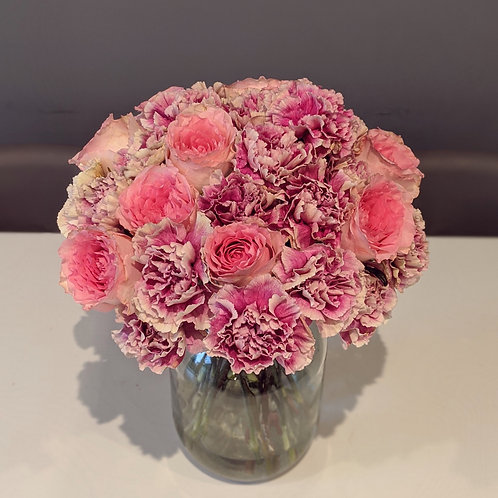 Carnations roses pink bunch flowers bouquet send flowers