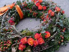 Trauerkranz mit Rosen