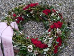 Waldkranz mit Rosen