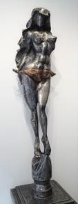 Žena s drapérií