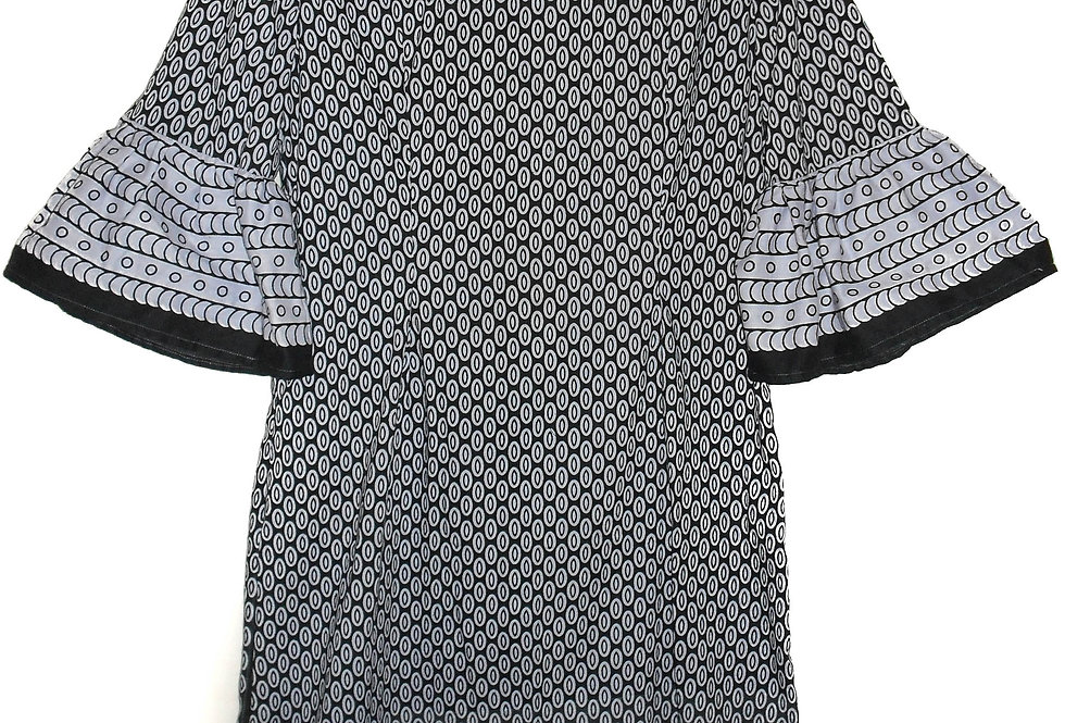 Fitted Dress with short bell sleeves