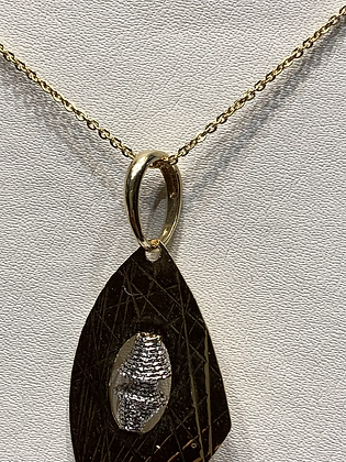 18k gold pendant and chain