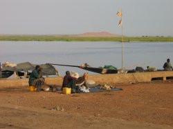 camping fleuve niger.jpg