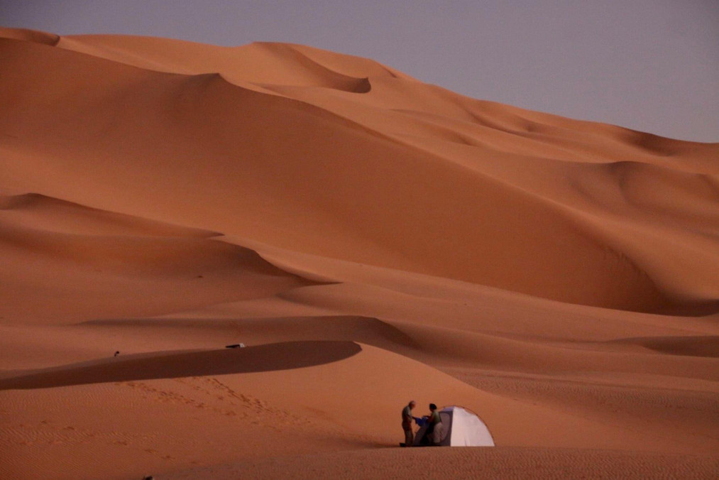 camping dans le desert niger.JPG