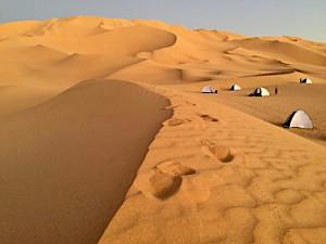 camping dans le desert.jpg