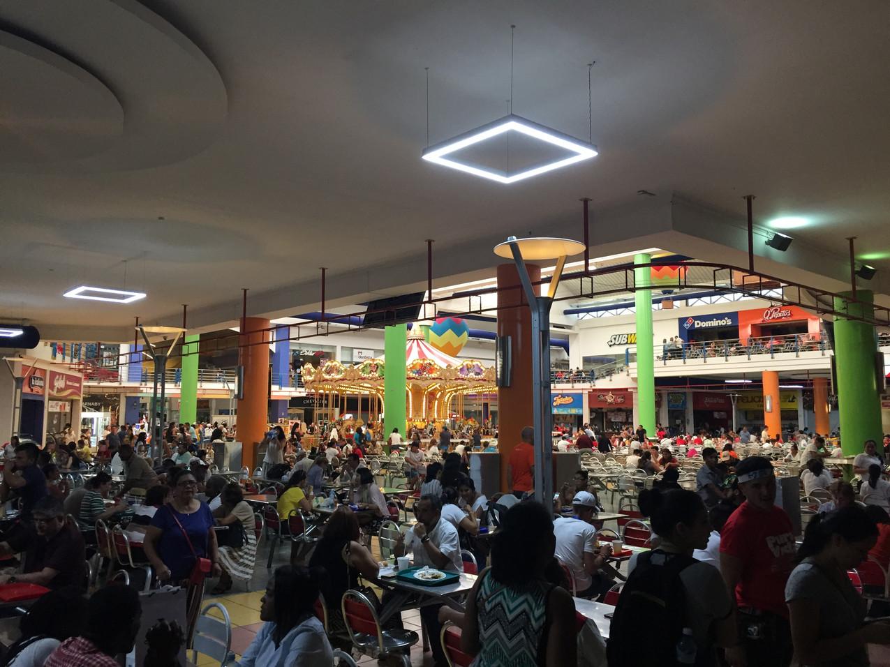 la foule aux restaurants