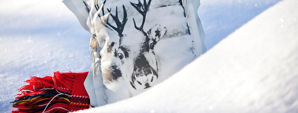 Helena tyyny art on sofa Kaisa Sirén design