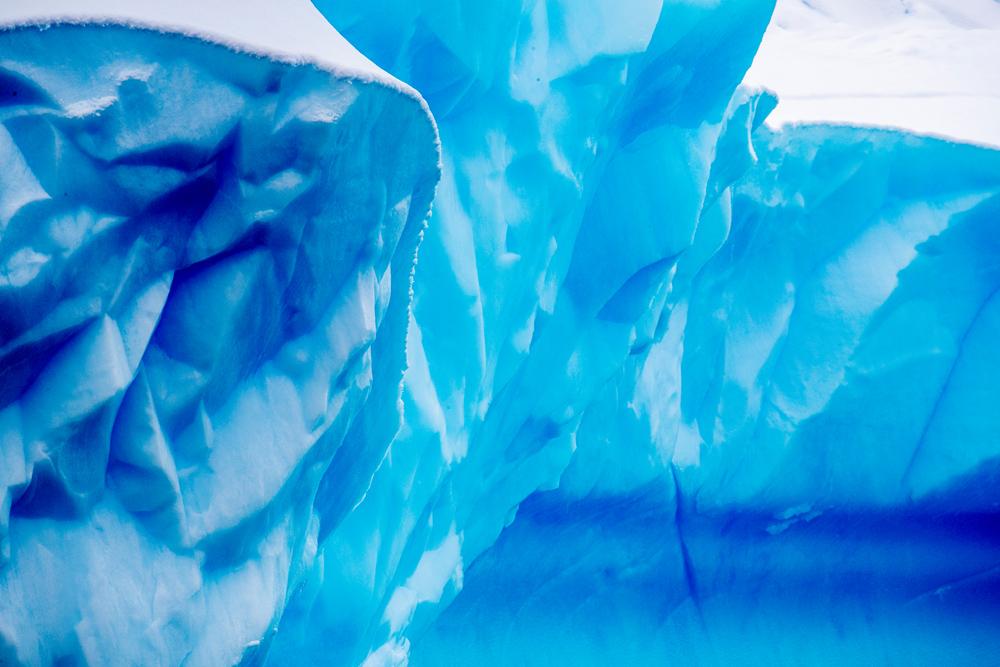 Suurin tavoitteni oli kuvata tuhansien vuosien vanhan jään pintakuvioita lähikuvina.