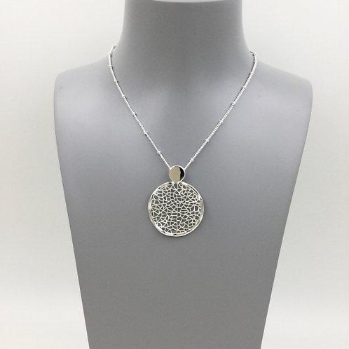 Filligree Disc Short Necklace