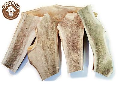 Сплит рога северного оленя - это лучшее лакомство для собак, созданное природой. Сплит рога северного оленя - это натуральный источник кальция аминокислот, пептидов, липидов, жирных кислот, витаминов, марганца и фосфора, а так же содержат хондроитин и глюкозамин.  В отличии от обычных рогов, сплит рога - это распиленные рога вдоль, определенного размера. Отличительной чертой является, легкодоступность мозгового вещества, что ускоряет попадание в организм собаки всех полезных веществ. Купить сплит рога в интернет магазине dogrog по низким ценам с быстрой и дешевой доставкой по всей России.