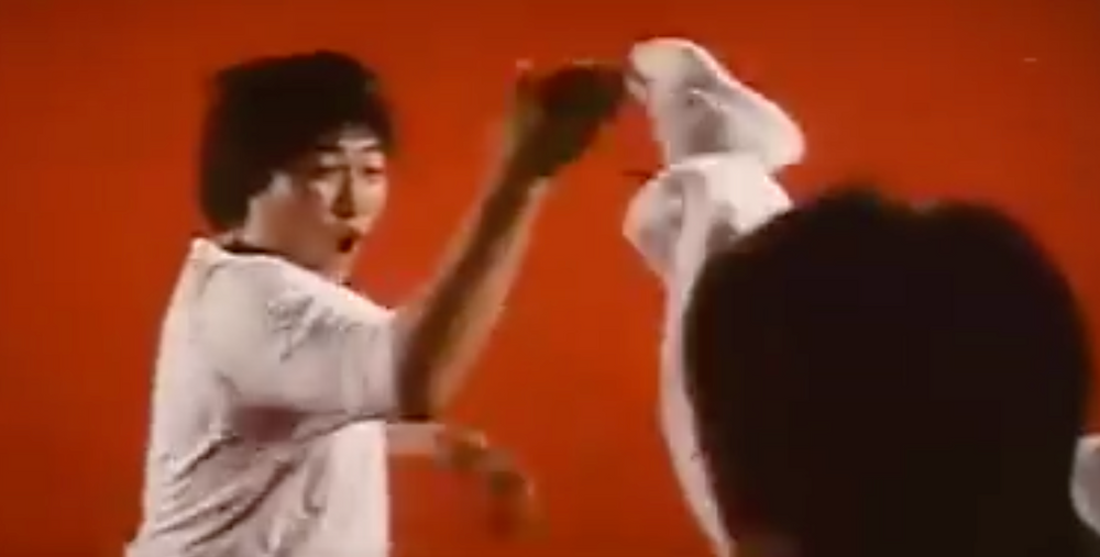Fig.18 Quickly cuts to the reverse angle in which Sammo Hung defends himself.