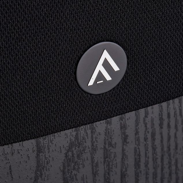 badge-detail.jpg