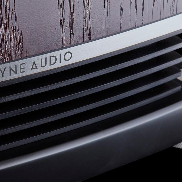 F500-series-port-detail.jpg