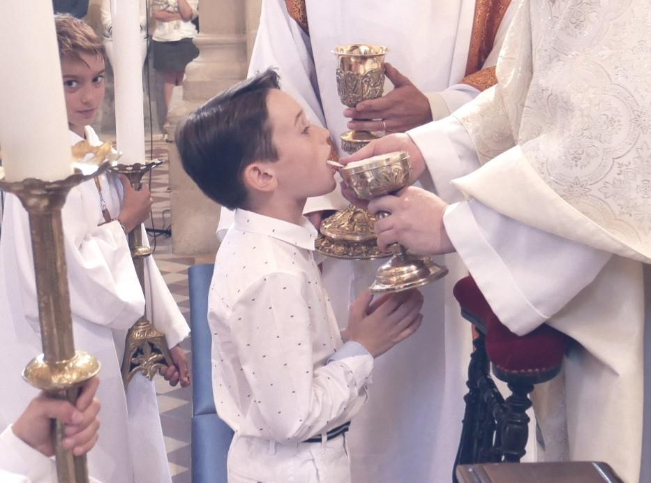 1ère_communion_2019_012_modifié.jpg