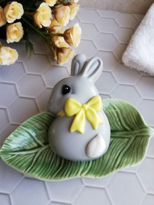 Кролик с бантом