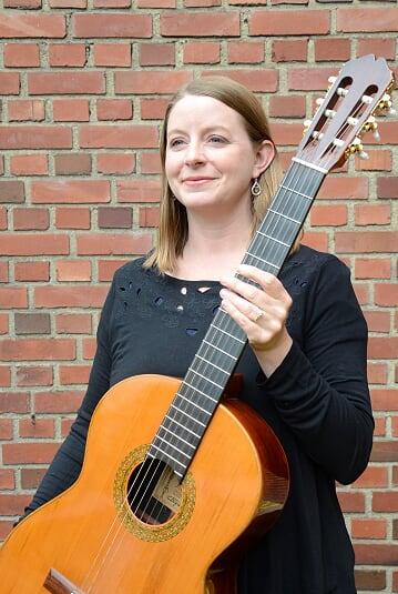 Whitney Pierce Takaba guitar, suzuki