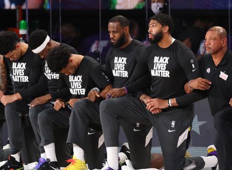 Playoffs da NBA retornam hoje, mas a luta contra o racismo continua