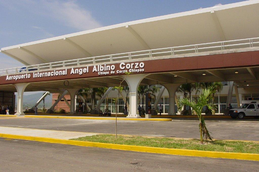 Aeropuerto Angel Albino Corzo